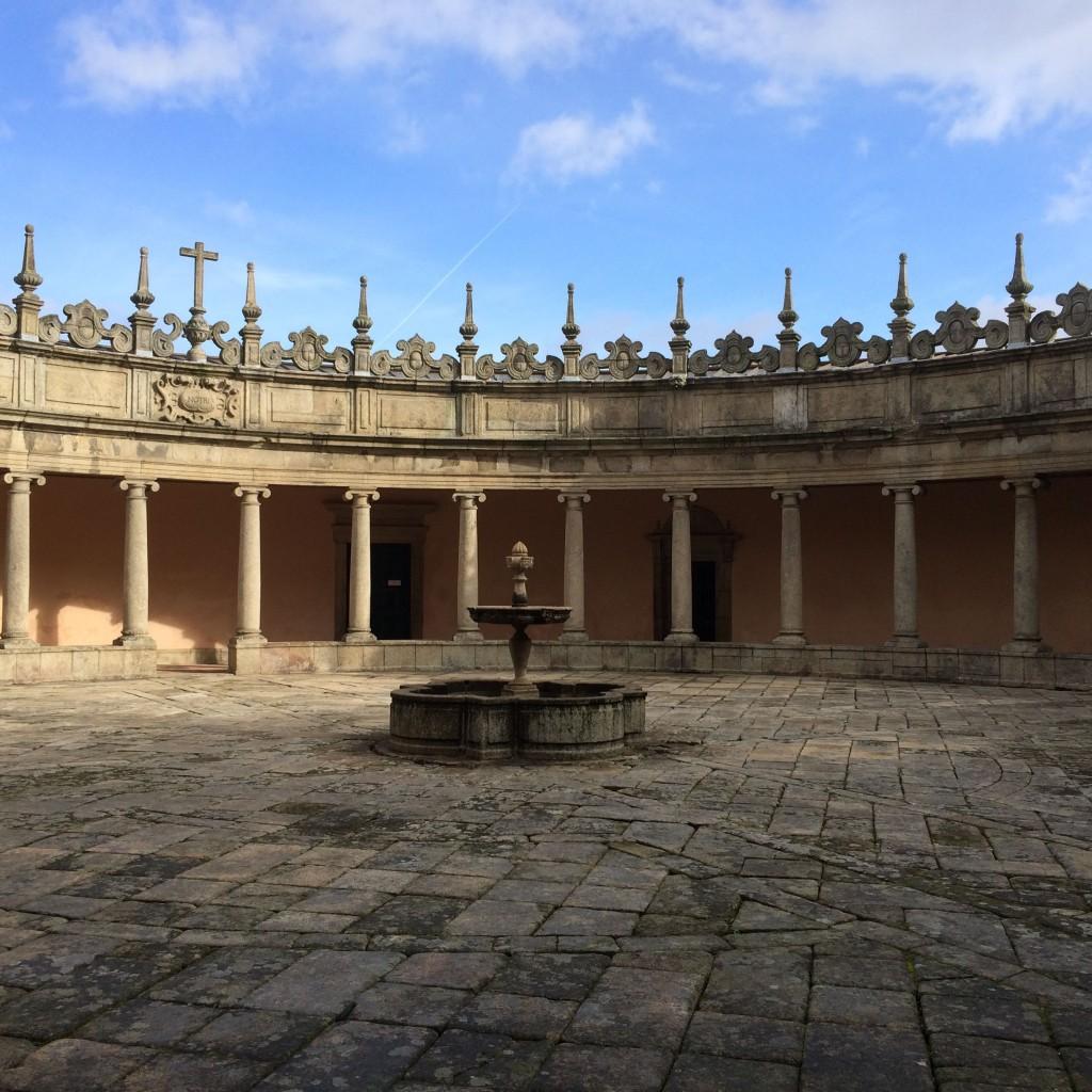 Claustros do Mosteiro da Serra do Pilar