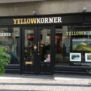 Fachada da Yellowkorner no Porto