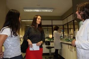 Laboratorio IVDP com Engenheira Natália Mousa