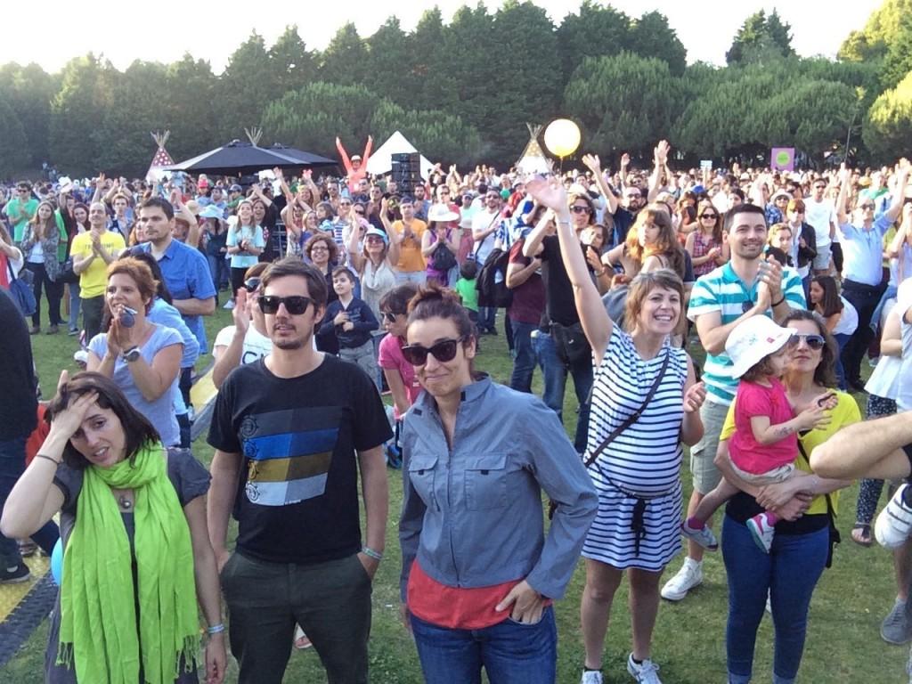Clã - O público despede-se do fantástico concerto de 24 de Maio no Porto