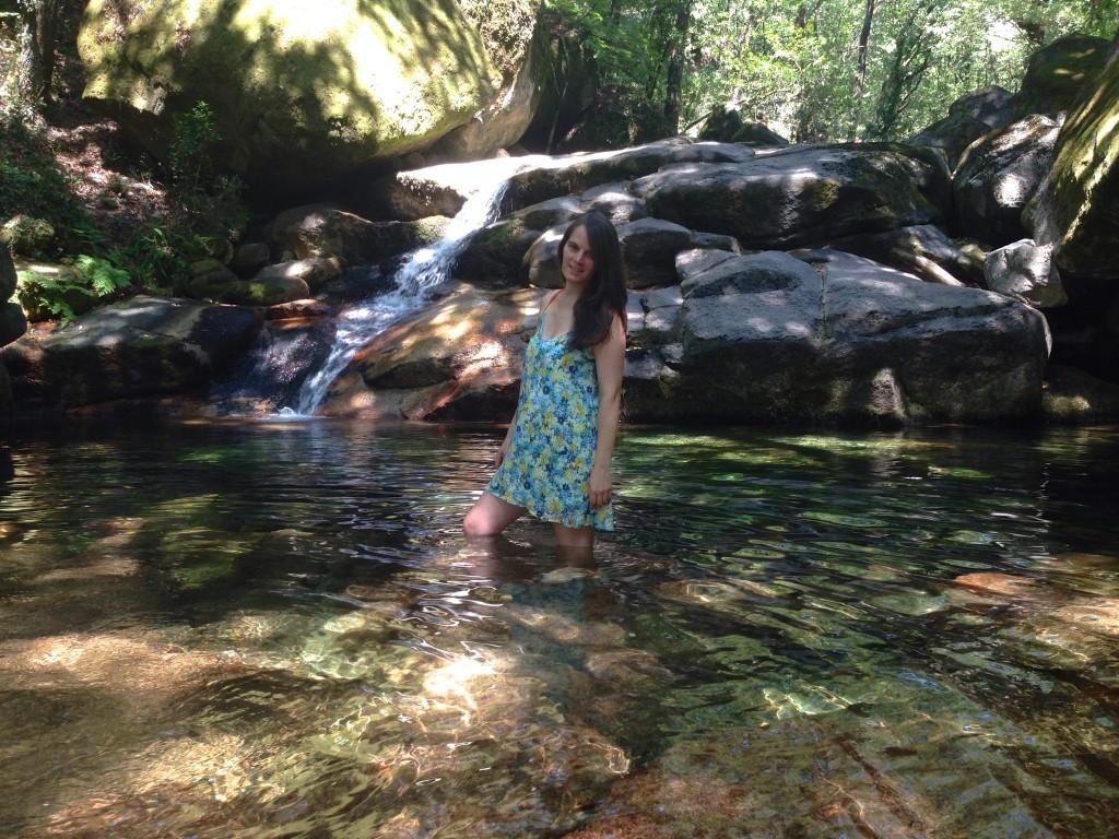 Vera Dantas no rio Gerês