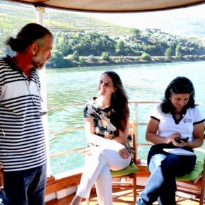 Explorando o Douro pelo rio/ Exploring Douro through the river/ Découvrir le Douro par la rivière... amanhã no Porto Envolto