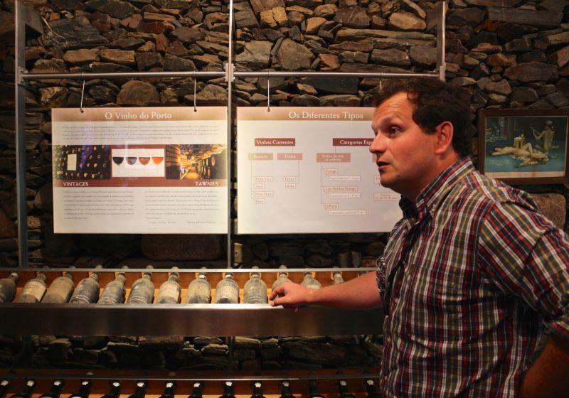 Vinhos históricos na Loja do Museu de Ervamoira