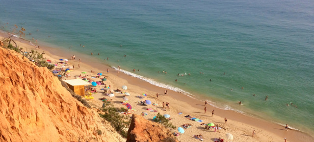 Amazing landscapes, warm water and sun: 3 reasons why you must visit Algarve