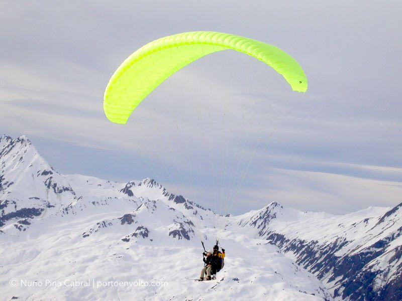 Paragliding at Les Arcs