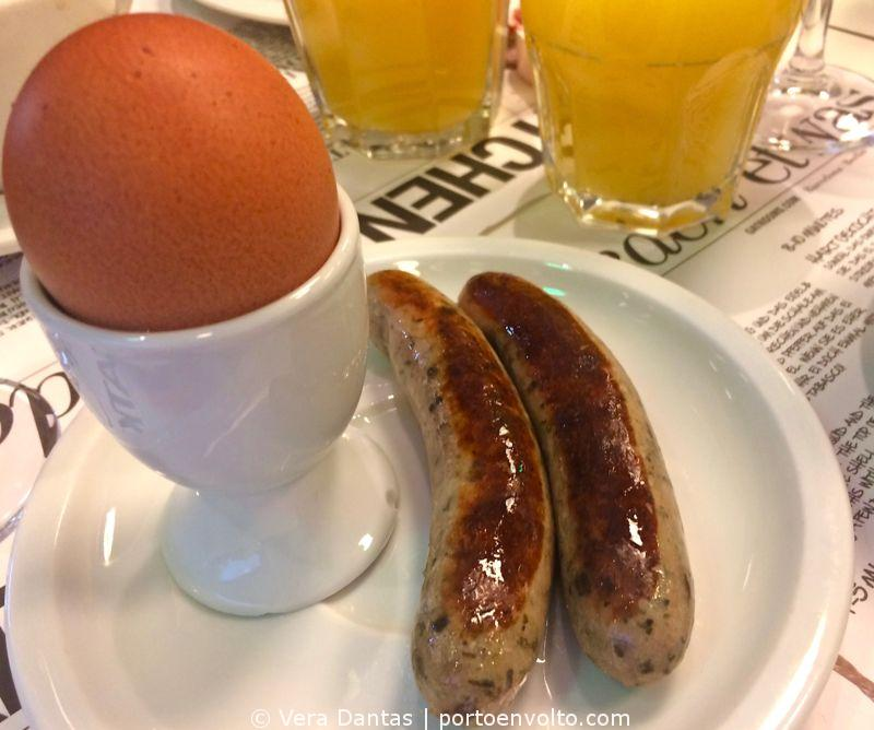 Gat Point Charlie Hotel Breakfast egg and bratwurst