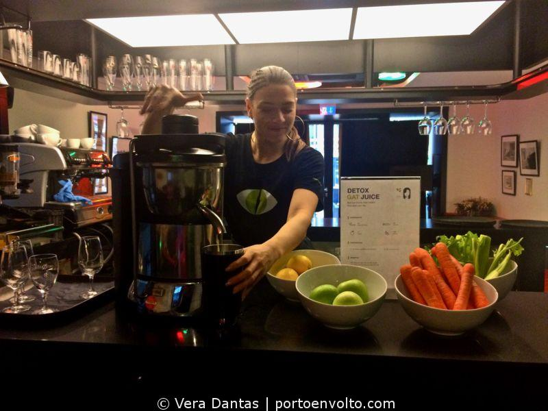 Gat Point Charlie Hotel detox juice preparation