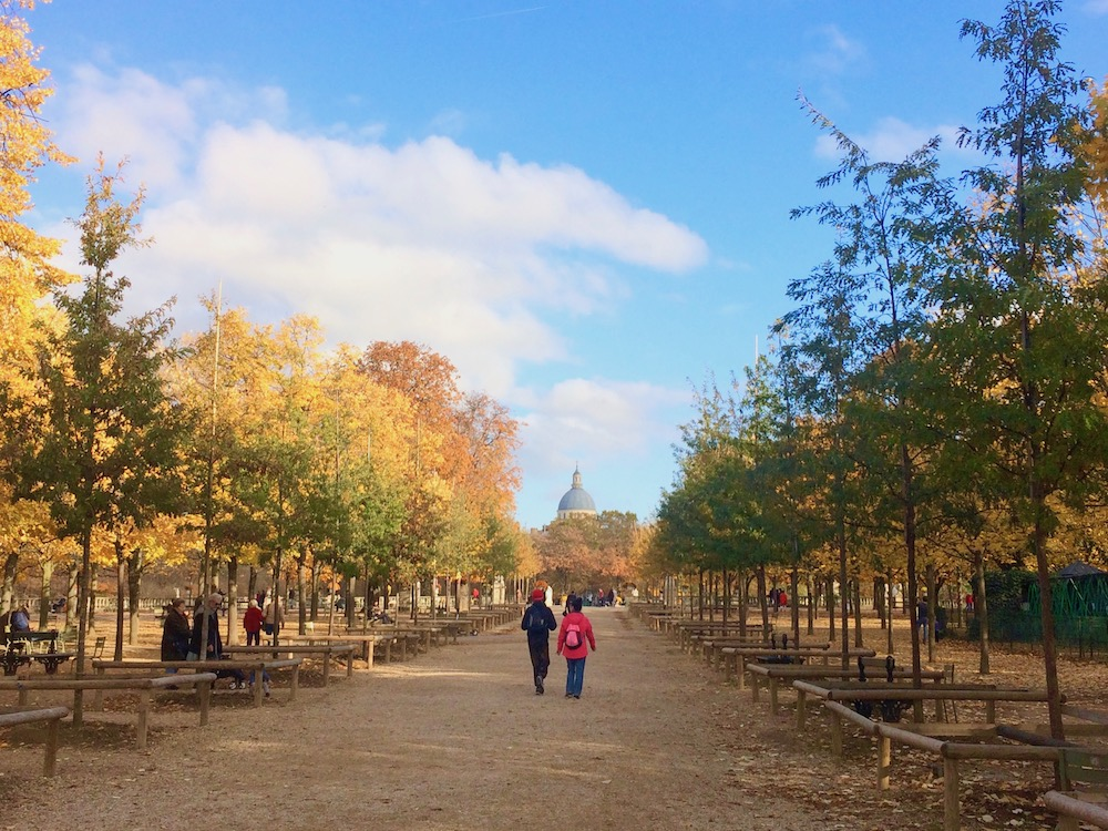 Jardin du Luxembourg Avenue by Vera Dantas