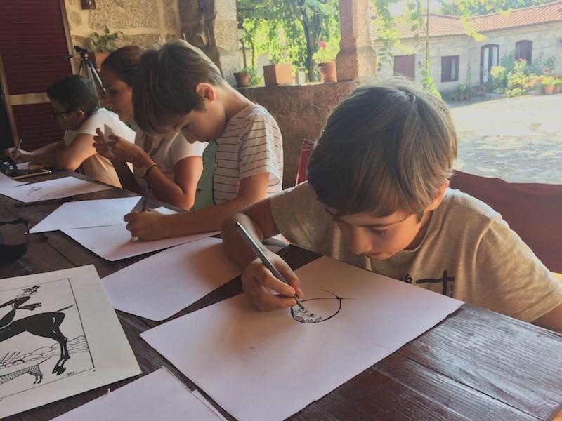 Atelier de desenho ao estilo de Amadeo