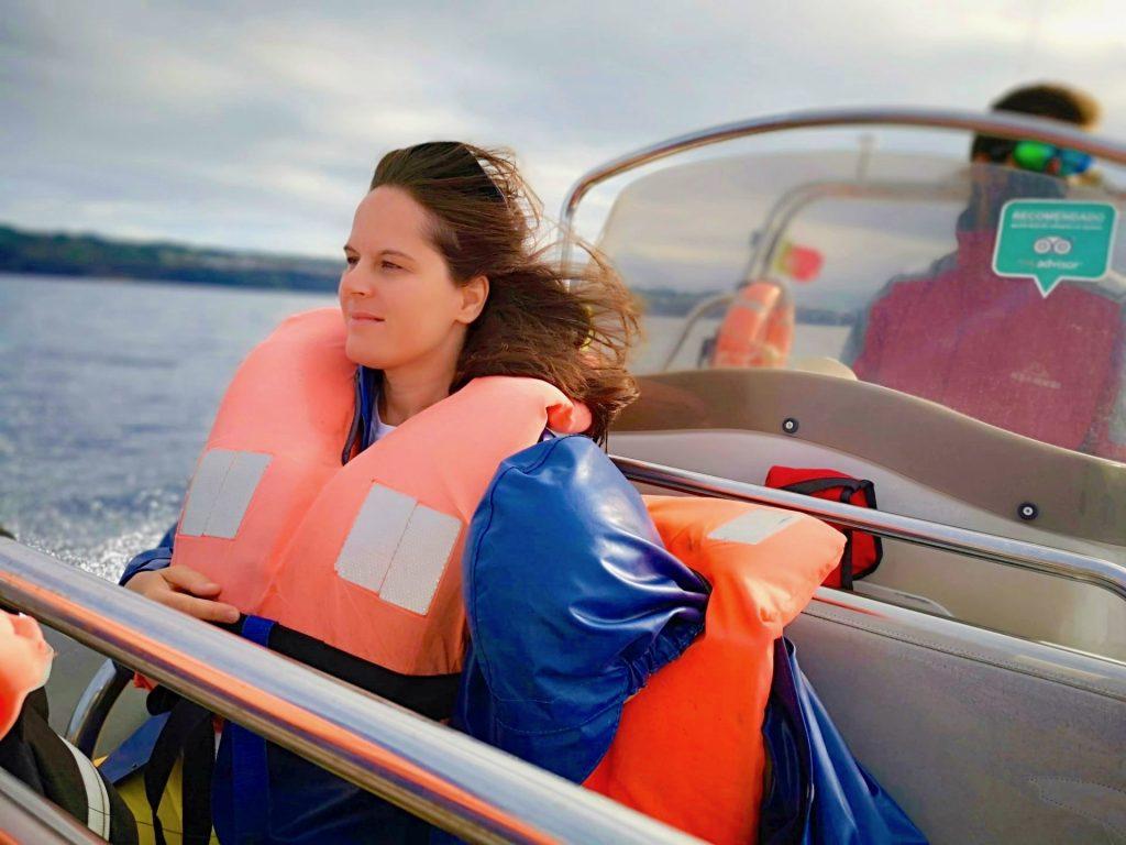Vera Dantas em experiência de natação com golfinhos com a Picos de Aventura